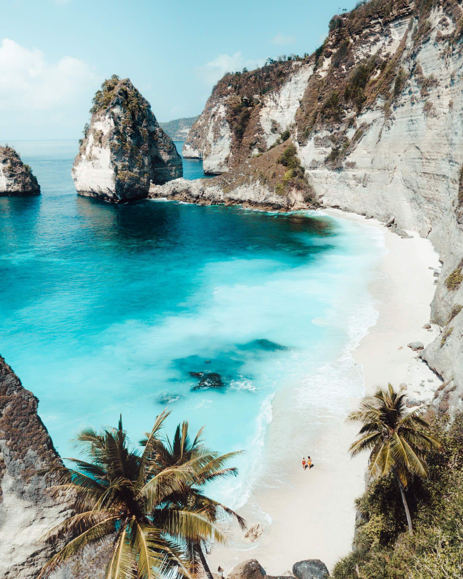 Diamond Beach – Most Beautiful Beach on Nusa Penida in Bali On the Bali island, Nusa Penida is one of the most beautiful beaches y